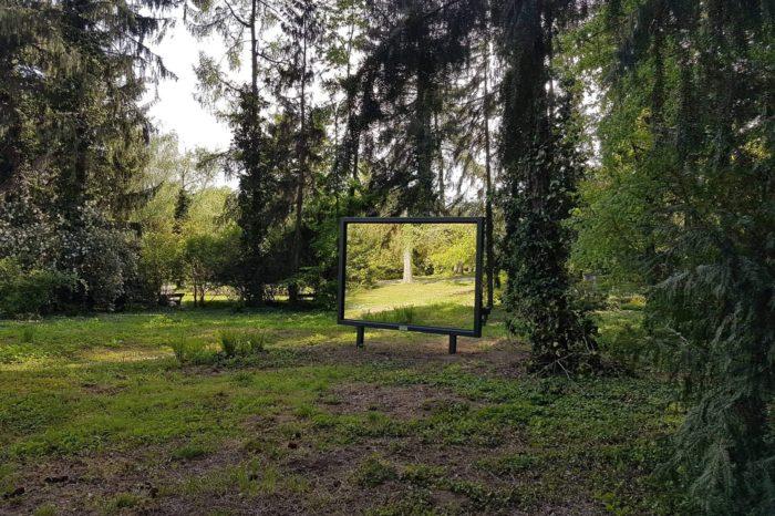 V botanické zahradě v Bratislavě se zabíjejí ptáci na uměleckých instalacích